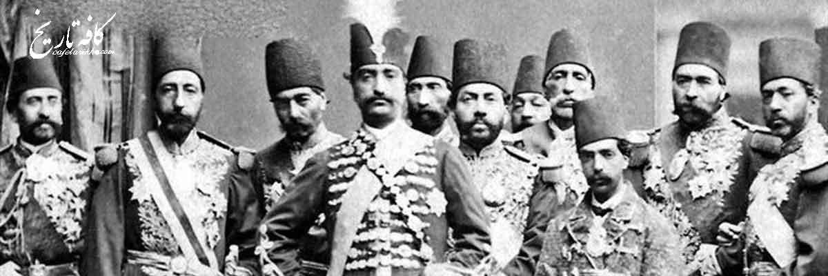 اولین قراداد رسمی کشف آثار باستانی ایران را چه کسانی منعقد نمودند؟