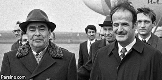 بازدید لئونید برژنف  (رئیس  جمهور شوروی ) از آرامگاه  حافظ در شیراز