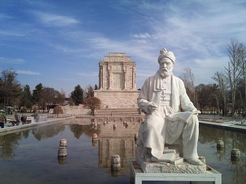 تاسیس «انجمن آثار ملی» و ساخت آرامگاه فردوسی