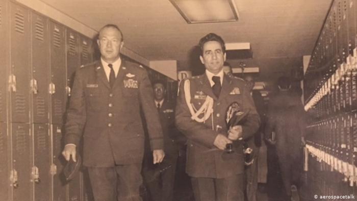 استقبال فرمانده نیروی هوایی ایران از مستشاران امریکایی