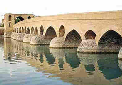 پل سـامیان، شاهکار معماری عهد صفوی