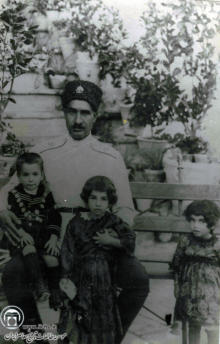 عالیجناب خاکستریپوش پهلوی دوم