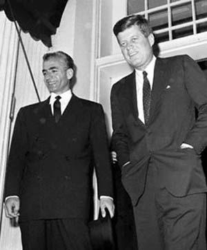 نگاهی به روابط شاه و کندی