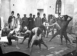 کاکردهای لوطیان در جامعه قجری