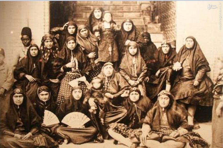 چرا زنان دربار قاجاری علاقه وافری به دخالت در سیاست داشتند؟
