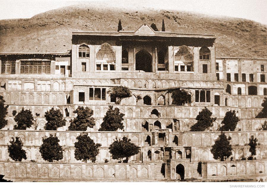 تصویری از عمارت باغ تخت شیراز در دوره قاجاریه