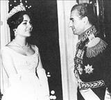 فرح پهلوی هنگام تحصیل در مدرسه ژاندارک