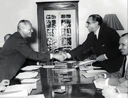 دفاع شاه از انعقاد قرارداد 1933 توسط پدرش
