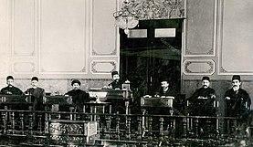 مجلس از اول تا آخر پر از انقلاب بود