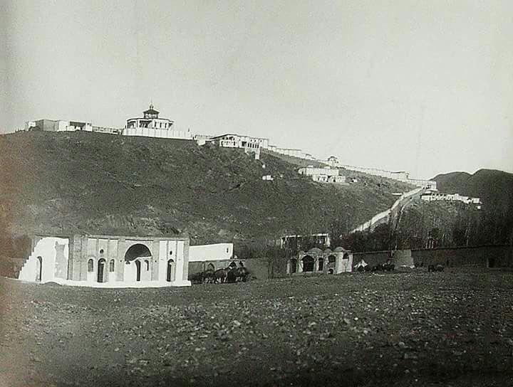 عمارت دوشان تپه در شرق تهران در دوره ناصری